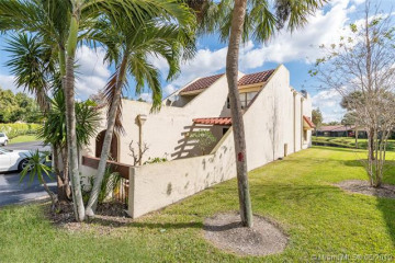 Home for Sale at 358 Fern Dr, Weston FL 33326