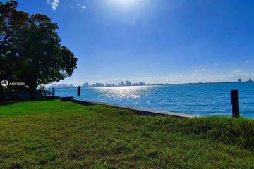Home for Sale at 5840 N Bay Rd, Miami Beach FL 33140