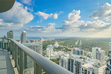 Home for Sale at 45 SW 9th Street #PH4806, Miami FL 33130