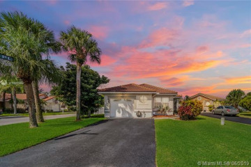 Home for Sale at 13443 NW 5th Pl, Plantation FL 33325