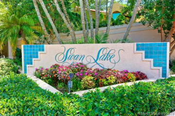 Home for Sale at 6700 SW 88th Ter, Pinecrest FL 33156