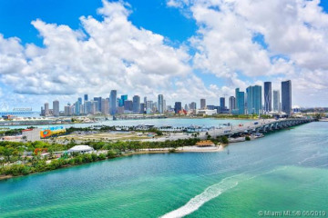 Home for Sale at 1000 Venetian Way #1706, Miami FL 33139