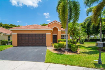 Home for Sale at 1367 Banyan Way, Weston FL 33327