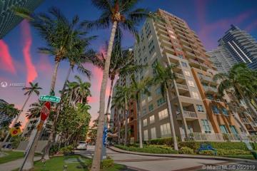 Home for Sale at 2000 N Bayshore Dr #409, Miami FL 33137