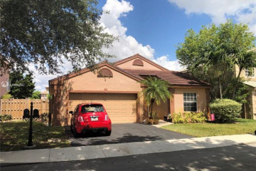 Home for Sale at 671 Rock Hill Ave, Davie FL 33325