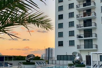 Home for Sale at 999 SW 1st Ave #UPH10, Miami FL 33130