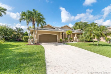 Home for Rent at 1051 Woodfall Ct, Weston FL 33326