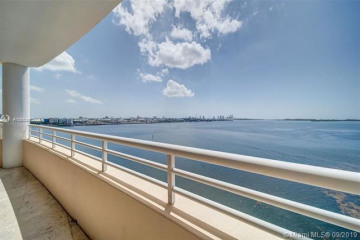 Home for Sale at 808 Brickell Key Dr #1002, Miami FL 33131