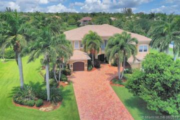 Home for Sale at 2703 Birch Terrace, Davie FL 33330