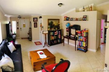 Home for Rent at 555 Talavera Rd, Weston FL 33326