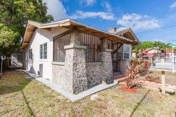 Home for Sale at 994 NW 2nd St, Miami FL 33128