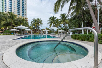 Home for Rent at 1000 S Pointe Dr #906, Miami Beach FL 33139