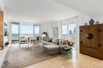 Home for Sale at 808 Brickell Key Dr #2908, Miami FL 33131