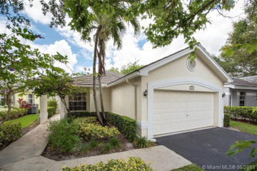 Home for Sale at 8843 Ivy Ct, Davie FL 33328