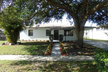 Home for Sale at 4732 SW 11th Ct, Plantation FL 33317