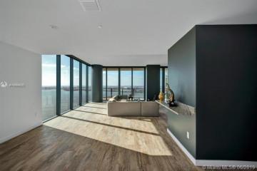 Home for Sale at 650 NE 32nd Ave #PH5104, Miami FL 33125