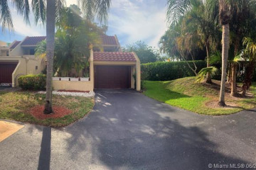 Home for Sale at 355 Fern Dr #7-5, Weston FL 33326