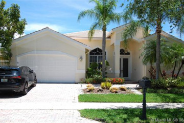 Home for Rent at 2874 Oakbrook Dr, Weston FL 33332