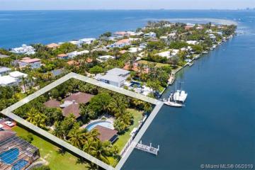 Home for Sale at 511 N Mashta Dr, Key Biscayne FL 33149