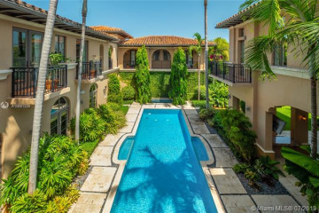 Home for Sale at 441 Island Dr, Key Biscayne FL 33149