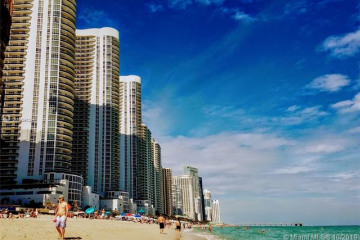 Home for Rent at 15811 Collins Ave #2106, Sunny Isles Beach FL 33160