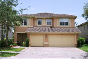 Home for Rent at 19333 Stonebrook St, Weston FL 33332