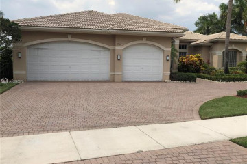 Home for Rent at 15311 SW 38th St, Davie FL 33331