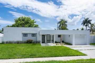Home for Sale at 2130 Alamanda Dr, North Miami FL 33181