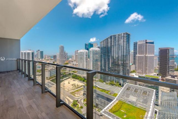 Home for Sale at 88 SW 7th St #3601, Miami FL 33130