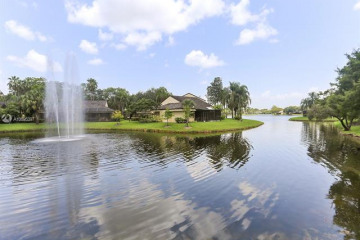 Home for Sale at 9341 S Chelsea Drive, Plantation FL 33324