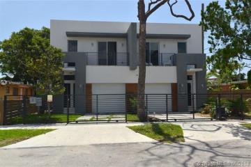 Home for Sale at 2793 SW 31 Av, Coconut Grove FL 33133