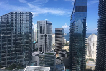 Home for Rent at 88 SW 7th St #3305, Miami FL 33130