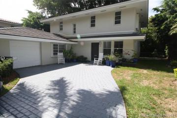 Home for Rent at 427 Garlenda Ave, Coral Gables FL 33146