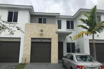Home for Sale at 17564 SW 149th Pl, Miami FL 33187