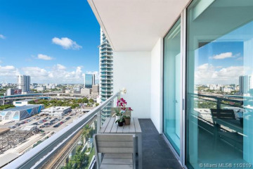 Home for Sale at 92 SW 3rd St #2206, Miami FL 33130