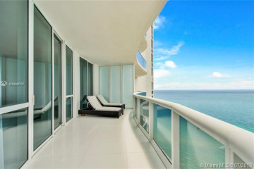 Home for Sale at 15811 Collins Ave #2307, Sunny Isles Beach FL 33160