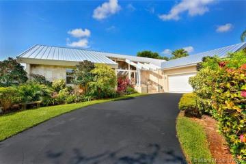 Home for Sale at 7820 SW 170th St, Palmetto Bay FL 33157
