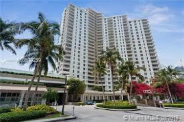 Home for Sale at 701 Brickell Key Blvd #PH-08, Miami FL 33131