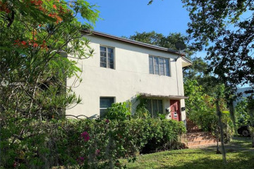 Home for Sale at 3400 Day Ave, Coconut Grove FL 33133