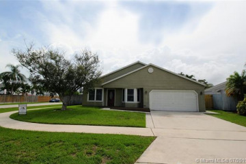 Home for Sale at 950 SW 135th Way, Davie FL 33325