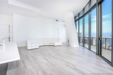 Home for Sale at 45 SW 9th St #PH4903, Miami FL 33130