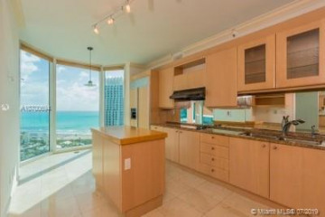Home for Rent at 300 S Pointe Dr #2802, Miami Beach FL 33139