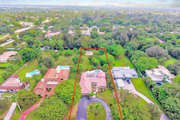 Home for Sale at 432 N Fig Tree Ln, Plantation FL 33317