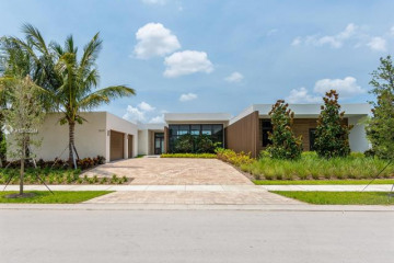 Home for Sale at 16652 Botaniko Drive S, Weston FL 33326