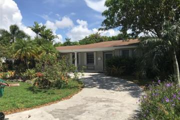Home for Sale at 8425 SW 156th St, Palmetto Bay FL 33157