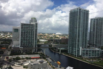 Home for Rent at 68 SE 6th St #2004, Miami FL 33131