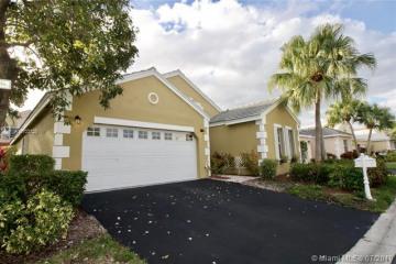 Home for Sale at 287 Bermuda Springs Dr, Weston FL 33326