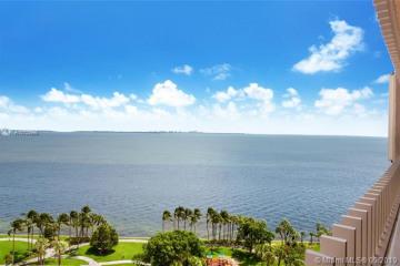 Home for Sale at 2 Grove Isle Dr #B1505, Miami FL 33133
