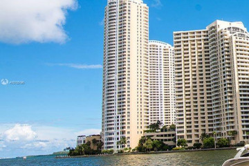Home for Rent at 848 Brickell Key Dr #3702, Miami FL 33131