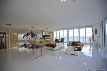 Home for Sale at 2020 N Bayshore Dr #PH3906, Miami FL 33137